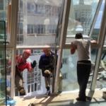 монтаж   фасадного остекления промышленными альпинистами